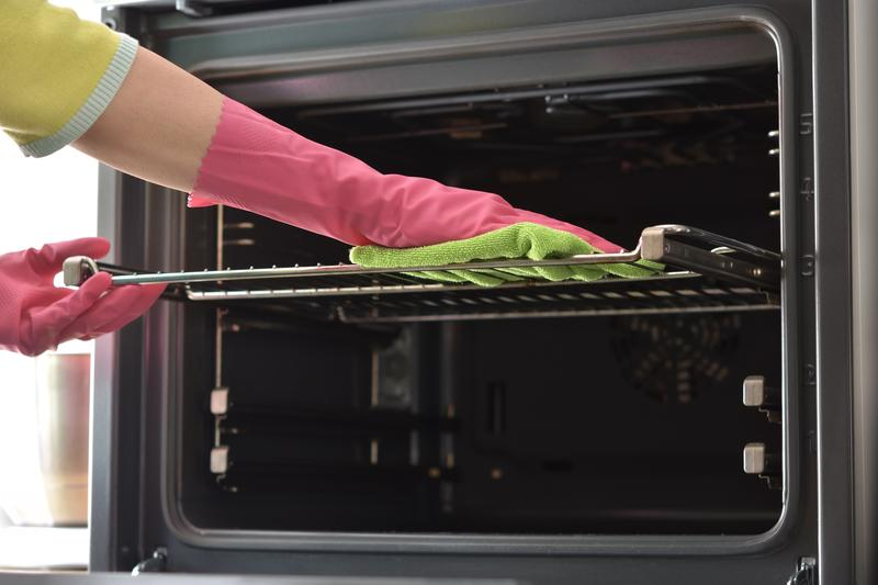 Simple Tips for Cleaning Your Kitchen Appliances